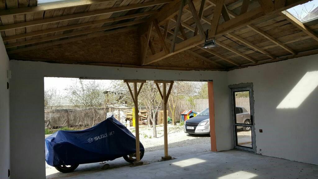 Cum-sa-construiesti-un-garaj-ieftin-si-rezistent-in-7-pasi-acoperisul-garajului