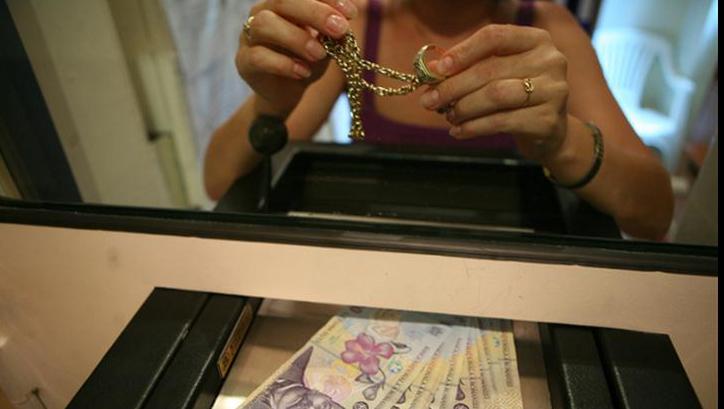 Ce trebuie sa stiti cand vindeti aur la amanet?