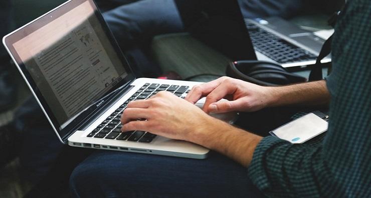 Se merita sa cumperi un laptop second hand?