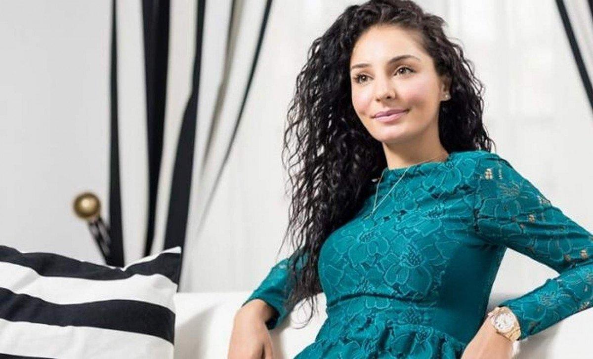 Cum a devenit Vanessa Youness Amal celebra?